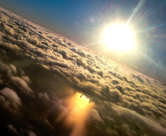 Uçakta Cam Kenarında Oturmanız İçin 10 Neden