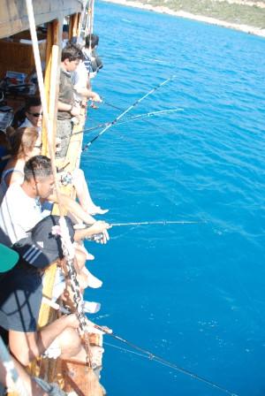 Aydıncık'ta Akkuyu Olta Balıkçılığı Yarışması Düzenlendi