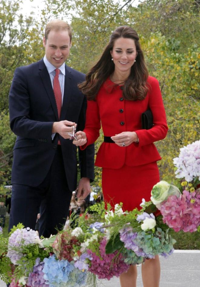 Prens William Ve Düşes Kate, Kriket Maçı Oynadı