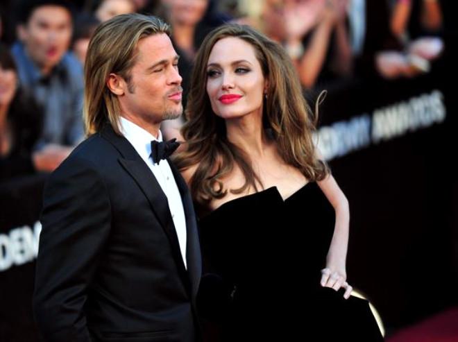Angelina Jolie ve Brad Pitt Tavşanlar Gibi Sevişiyor