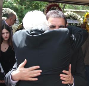 Kılıçdaroğlu, Erdoğan Toprak'ın Annesinin Cenazesine Katıldı