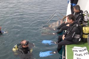Gömeç Kaymakamı Yavuz Engellilerle Tüplü Dalış Yaptı