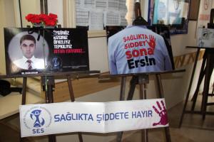 Sağlıktaki Şiddeti Yansıtan Kareler Hastane Koridorlarında Sergi Oldu