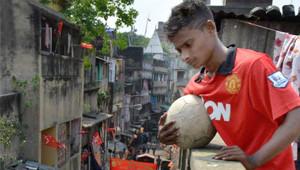 Hindistan Arka Sokaklarından, Manchester United'a Gitti