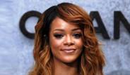 Rihanna, 'Uyuşturucu Bayramı'nı Kutladı