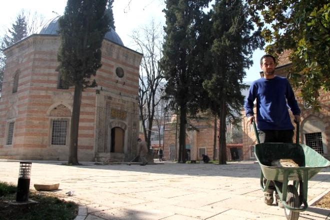 Şehzade Mustafa ve Cem Sultan'ın Türbeleri Kısmen Ziyarete Açıldı