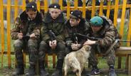 Rusya'da Kızlı Erkekli Askeri Eğitim