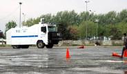 Polis 1 Mayıs Öncesi TOMA Eğitimi Yaptı
