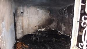 Pasinler'de Çıkan Yangında Ev Tamamen Yandı
