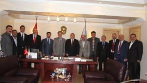 Hendek Belediye Başkanı Ali İnci, Belediye Başkanlarını Ziyaret Etti