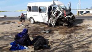İşçi Taşıyan Minibüs Kaza Yaptı: 2 Ölü 19 Yaralı