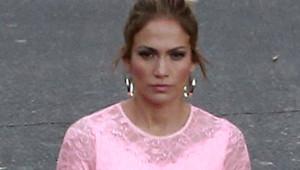 Jennifer Lopez, İç Çamaşırını Düzeltti