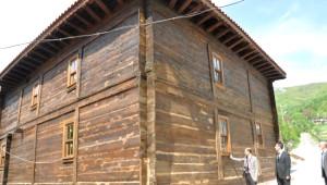Çivisiz Cami Restore Ediliyor