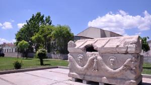 Roma Dönemine Ait 900 Yıllık Lahit Bulundu