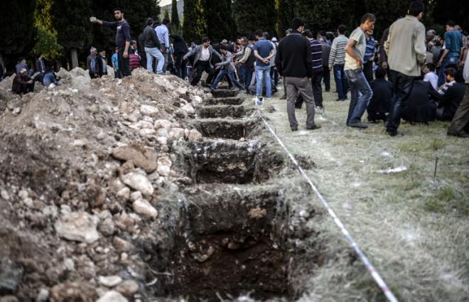 Faciada Hayatını Kaybeden 25 İşçi Toprağa Verildi