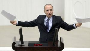 Mevlüt Aslanoğlu'nun Cenazesi Siyaset Camiasını Buluşturdu