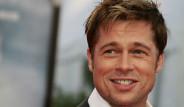 Brad Pitt'in Dövmesi Dikkat Çekti