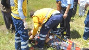 Ölüm Kavşağında Kaza: 3 Yaralı