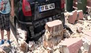 Deprem Sonrası Binalarda Çatlaklar Var