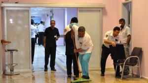 Dolu Yağışı Hastanedekilere Zor Anlar Yaşattı