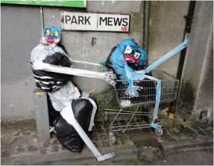 Sokaktaki Çöpleri Sevimli Canavarlara Çevirdi