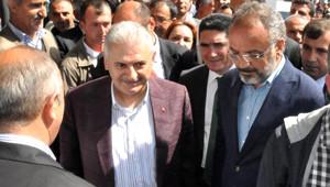 Ağrı'da Binali Yıldırım'a Protesto, Sakık Devreye Girdi