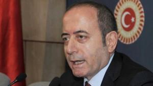 CHP'li Hamzaçebi: Asıl Filmi Başbakan Kendi Burda Çeviriyor