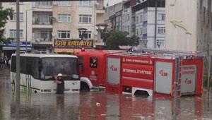 İstanbul'da Dev AVM'yi Su Bastı