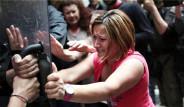 Yunanistan'da Kadın Eylemcilere Polis Müdahale Etti