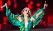 Jennifer Lopez Kendi Mahallesinde Konser Verdi