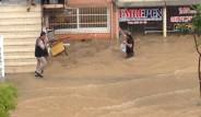 Adana'da Şiddetli Yağış Hayatı Felç Etti