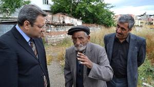Yaşlı Adama Yunusemre Belediyesi Sahip Çıktı