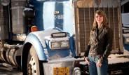 33 Yaşındaki Lisa Kelly, TIR Şoförlüğü Yapıyor