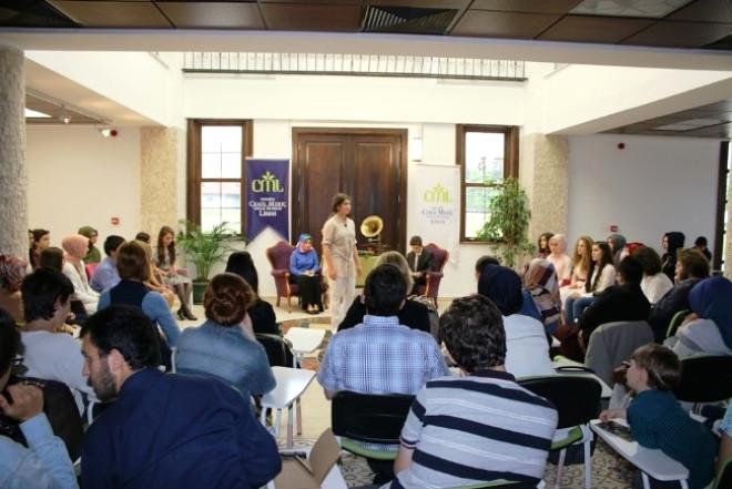 Serdivan Akademi'de Şiir Dinletisi