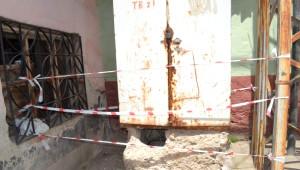 Kula'da Açıkta Bırakılan Elektrik Kabloları Tehlike Saçıyor