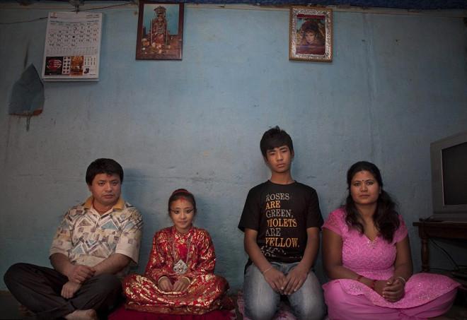 Nepal'de Çocuk Tanrıçaların Ayağı Yere Değmiyor
