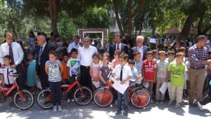 Şarköy'de Başarılı 9 Öğrenciye Bisiklet Verildi