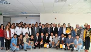 AK Parti Gümüşhane Milletvekili Üstün'den Üniversite Öğrencilerine Teşekkür Yemeği