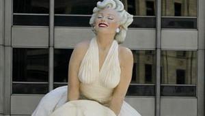 Marılyn Monroe Heykeli Çöpe Atıldı