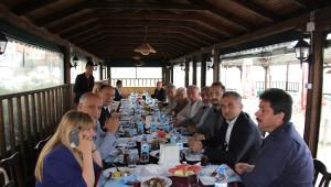 Kızılay Genel Başkanı Çatalzeytin'i Ziyaret Etti