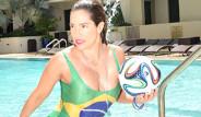 Ünlü Modelden Dünya Kupası'na Özel Pozlar