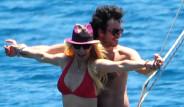 Hande Yener Bodrum'da Genç Sevgilisiyle Tatil Yapıyor