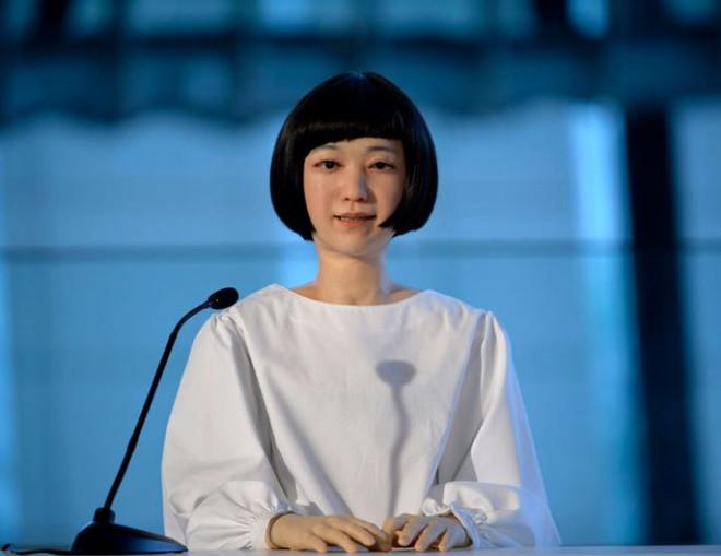 İlk Android Haber Spikeri Japonya'da Tanıtıldı