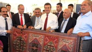 Mustafa Sarıgül Hakkari'de