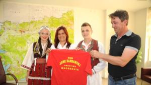 Makedonya Halk Dansları Topluluğu Üyelerinden Başkan Çerçioğlu'na Ziyaret