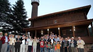 İznik'teki 130 Yıllık Ahşap Cami Restore Edilerek İbadete Açıldı