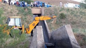 Erzincan'da Otomobil Sulama Kanalına Uçtu: 2 Ölü, 2 Yaralı