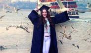 Fahriye Evcen Diplomasını Aldı