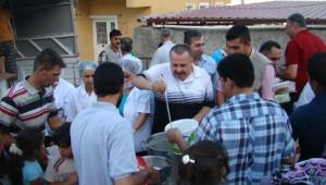 Tuzla Belediyesi Tarafından Suriyeli Göçmenlere İftar Verildi