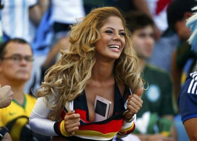 Dünya Kupası Finalinde Tribünlerden Kareler